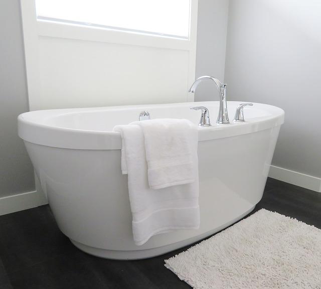Oczyszczająca kąpiel w solance- sposób na uporczywe stany zapalne skóry.