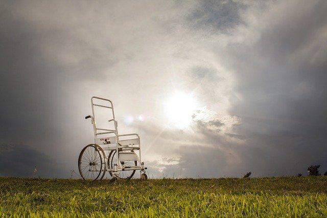 Czy osoba niepełnosprawna może żyć sama?