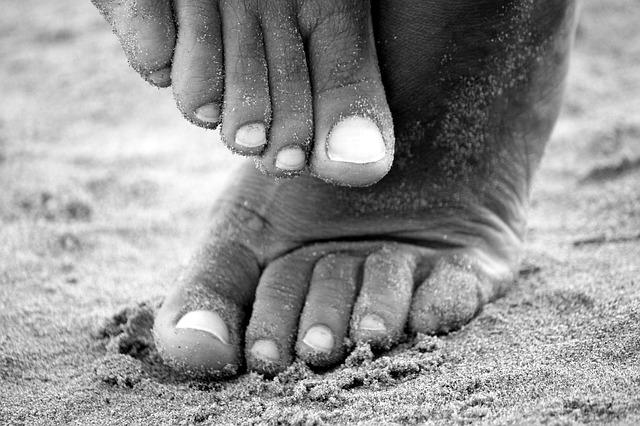 Wrastające paznokcie – jak sobie z nimi radzić?