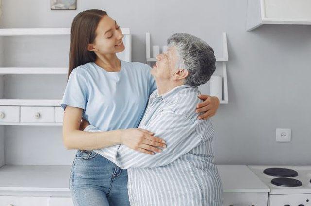 Kuchnia i łazienka seniora – o co warto zadbać?